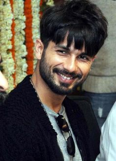Shahid Kapoor - Love love love his smile.