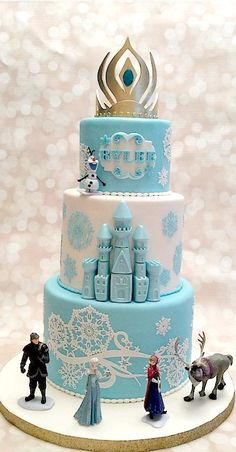 Elsa's Crown Frozen Cake