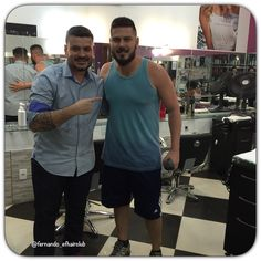 Meu parceiro, Guto Vianna Mamute sempre me dando aquela moral... Tmj!!! #ObrigadoSenhor #DeusNaFrente #EFHairClubBARbearia #EFHairClub #barbershopbrasil #tijuca  #cortando #TapaNoVisual #cabelo #cortemasculino #pompadour #barberlove #barbershopconnect #barbersince98