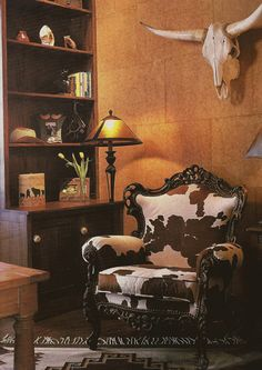 I love the idea of this chair and the cow head in a country chic setting. white walls white bookcase turquoise picture frames etc. - Home Decorating Magazines Cowhide Furniture, Cowhide Chair, Western Furniture, Rustic Furniture, Handmade Furniture, Furniture Ideas, Southwestern Chairs, Southwestern Decorating, Southwest Decor
