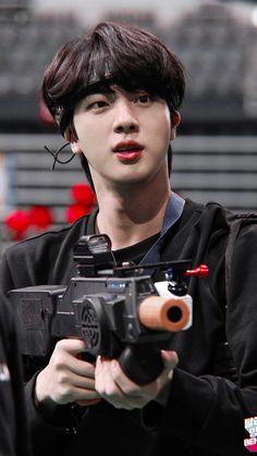 Jin BTS Run behind the scenes. Seokjin, Kim Namjoon, Kim Taehyung, Jin Kim, Bts Jin, Bts Bangtan Boy, Jungkook Hot, Jungkook Fanart, Jung Hoseok