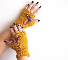 Mustard and purple bow Christmas gifts, Xmas gifts. Wool gloves, stone beige gloves, handmade gloves. Ready to shipping.