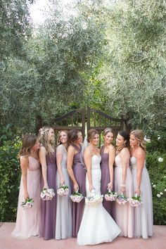 We're sharing five our best tips from our fool-proof system for how to shoot a large bridal party! • Wedding Photography tips • Lavender, blush and purple bridesmaids dresses