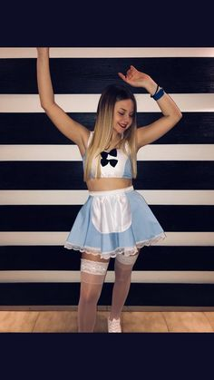 22 Hottest College Halloween Costumes - Page 2 of 2 - Inspired Beauty Amazing Halloween Costumes, Cute Halloween, Halloween Outfits, Halloween Ideas, Cheer Costumes, College Costumes, Alice Costume, Fantasias Halloween, Halloween Disfraces
