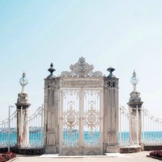 Dolmabahce Palace, Istanbul, Turkey – Begüm – Join the world of pin Places Around The World, Oh The Places You'll Go, Places To Travel, Around The Worlds, Palais De Dolmabahçe, Beautiful World, Beautiful Places, Simply Beautiful, Beautiful Beach