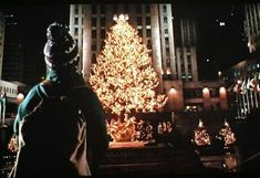 Image shared by Lauriee. Find images and videos about christmas, movie and home alone on We Heart It - the app to get lost in what you love. New York Christmas, Christmas Mood, Noel Christmas, Christmas Music, Little Christmas, Christmas Stuff, Xmas Movies, Classic Christmas Movies, Holiday Movie