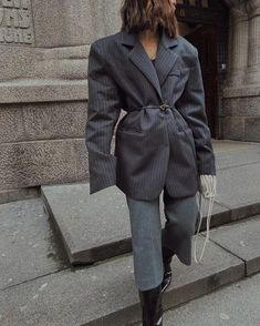 Grey Fashion, Fashion Photo, Women's Fashion, Ootd, Grey Outfit, Business Fashion, Business Style, Fall Winter Outfits, Outfit Posts