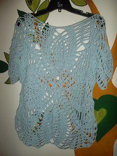 Remera al crochet color celeste punto piña