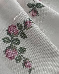 1 million+ Stunning Free Images to Use Anywhere Cross Stitch Patterns, Knitting Patterns, Free To Use Images, Herringbone Stitch, Cross Stitch Rose, Embroidery Fashion, Bargello, Galaxy Wallpaper, Diy And Crafts