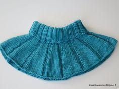 Kissankäpälä: Unikko-kauluri pojalle, neck warmer for a boy Neck Warmer, Boho Shorts, Knitting, Boys, Skirts, Outfits, Women, Fashion, Beanies