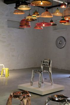 Columbian artisans weave beautiful lighting from recycled plastic bottles