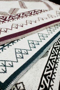 Kodin1, Anno-suunnittelukilpailun voittanut Jalpaikka-matto. Suunnittelija Susanna Vento, kuva Varpunen-blogi. Kaupoissa alkusyksystä.