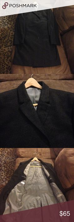 Calvin Klein Charcoal Gray Overcoat Topcoat 42S Calvin Klein Solid Charcoal Gray Topcoat Overcoat size 42S Short, 3 Button and single vent! Excellent condition! Please make reasonable offers and bundle! Ask questions! :) Calvin Klein Jackets & Coats Trench Coats
