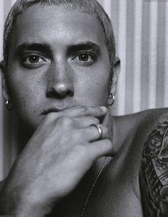 Yeez The RapGod is sooo georgeous Marshall Eminem, Divas, Eminem Wallpapers, Eminem Rap, Eminem Videos, Eminem Music, Eminem Photos, The Real Slim Shady, Eminem Slim Shady