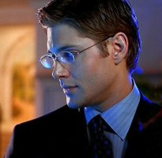 SUPERNATURAL PICTURES-Jensen Ackles glasses