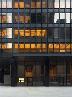 Ludwig Mies van der Rohe, Iñaki Bergera · Seagram Building
