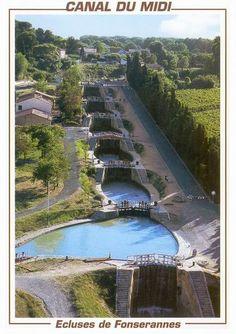 Écluses de Fonsérannes, près de Béziers, sur le canal du Midi - France > http://www.canalmidi.com/aufildlo/fonceran.html