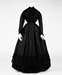 Death Becomes Her: an exhibition at MOMA mourning suits Funeral