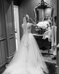Young Wedding, Wedding Pics, Wedding Dresses, Carlson Young, Jessica Chastain, Pictures To Draw, One Shoulder Wedding Dress, Wedding Inspiration, Couples