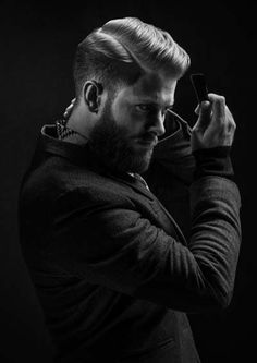 I kind of want the hubby to cut his hair like this and let the beard grow! Hair And Beard Styles, Short Hair Styles, Look Man, Pompadour, Male Grooming, Great Hair, Facial Hair, Moustache, Haircuts For Men