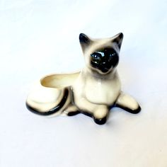 Ceramic Siamese Cat planter Cat figurine by EllasAtticVintage on Etsy Siamese Cats, Glazed Ceramic, Green Plants, Vintage Home Decor, Planters, Ceramics, Etsy, Store, Ceramica