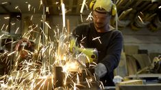 ¿Como se hizo? Cartel de Melou en chapa http://www.agnewuse.com/tienda/palas/ @agnewuse Craftsman Custom Work Tarifa WWW.AGNEWUSE.COM #Craftsman #wood #handmade #hechoamano