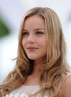 Abbie Cornish ...... In 1999, Cornish was awarded the Australian Film Institute Young Actor's Award for her role in the ABC's television show Wildside and was offered her first role in a feature film, The Monkey's Mask.