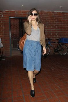 Maggie Gyllenhaal in Slip in Classic! Clogs Outfit, Camel Skirts, Red Skirts, Denim Skirts, Orange Skirt, Purple Skirt, Celebrity Outfits, Celebrity Style, Skirt Outfits
