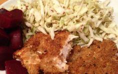 Petto di pollo al parmigiano - Un secondo piatto da cucinare in 20 minuti o meno: petti di pollo passati nel parmigiano reggiano insaporito con il pepe.