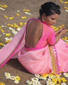 The straight back cut-out ! ______________________________ #priyalprakash #priyalprakashhouseofdesign #spring2017 #springsummer #lehenga #ghaghra #choli #blouse #dupatta #indianwear #contemporaryIndian #indianwedding #sangeet #mehendi #reception #colourful #multicoloured #makeinindia #indiantextile #handloom #bridalwear #indianbride #stripes #chevrons #stripedlehengas #trousseau #indiandesigner _______________________________________________Model @laxmipandey14 Photography @suspende...