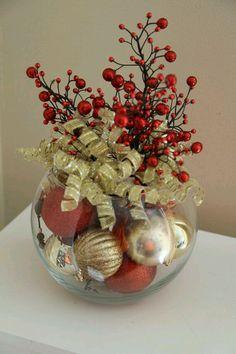 DIY : table decor. fish bowl, ornaments, curly ribbon and decorative branches