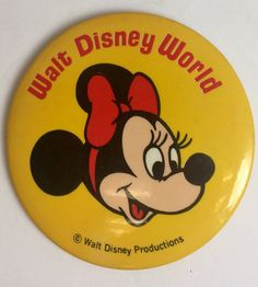 """DISNEY PARKS EXCLUSIVE 1/"""" BUTTON PIN MINNIE MOUSE STEAMBOAT DAISY HAT VINTAGE"""