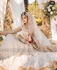 Beautiful Pakistani Dresses, Pakistani Formal Dresses, Pakistani Dress Design, Pakistani Fashion Party Wear, Pakistani Wedding Outfits, Pakistani Wedding Dresses, Asian Bridal Dresses, Desi Wedding Dresses, Bridal Outfits