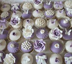 Cupcakes // Lila / Weiß / Schmetterling / Blumen