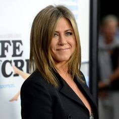 Pin for Later: For Jennifer Aniston, Looking This Good Should Be a Crime