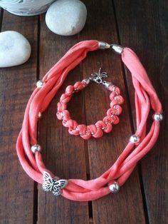 Fabric Bracelets, Fabric Necklace, Fabric Jewelry, Diy Necklace, Scarf Necklace, Jewelry Crafts, Jewelry Art, Beaded Jewelry, Scarf Jewelry