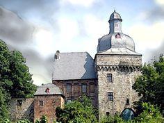 'Schloss Liedberg, Korschenbroich Niederrhein' von Dirk h. Wendt bei artflakes.com als Poster oder Kunstdruck $22.17
