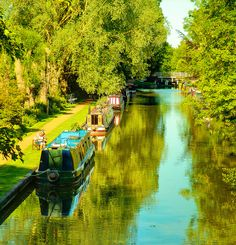 Narrowboats on the Kennet and Avon canal at Kintbury in Wiltshire by Anguskirk, via Flickr