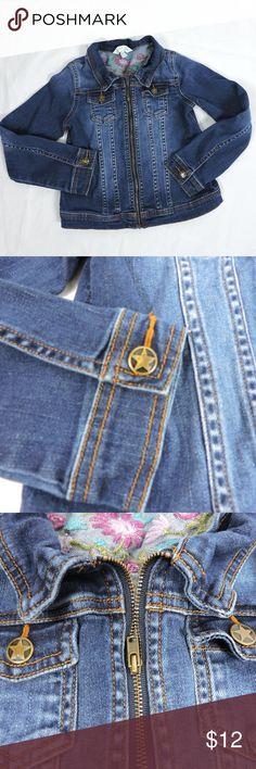 "Garnet Hill Garnet Hill Girls Blue Jean Jacket Embroidered Size Large Childs  Star Button Detail. Super cute!  Please refer to actual measurements to ensure fit.  Shoulder to Shoulder: 11"" (27.94 cm) Underarm to Underarm: 14""(35.56 cm) Shoulder to Hem: 16"" (40.64 cm) Garnet Hill Jackets & Coats Jean Jackets"