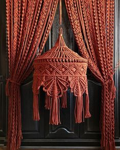 Macrame Design, Macrame Art, Macrame Projects, Micro Macrame, Diy Crafts Hacks, Diy And Crafts, Cat House Diy, Knitting Paterns, Christmas Mesh Wreaths