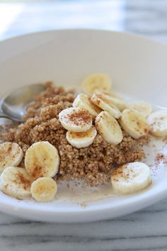 I need to try this...WITHOUT bananas....Microwave Cinnamon Maple Breakfast Quinoa from www.laurenslatest.com