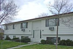 2 Bedroom West End Apartment - Billings MT Rentals - 2621- 2 Bedroom apartment, all electric unit, dishwasher, large bedrooms and living spaces. Property has coin laundry on site. Pictures maybe of a similar apartment. | Pets: Not Allowed | Rent: $725.00  | Call Rainbow Property Management, Inc. at 406-248-9028
