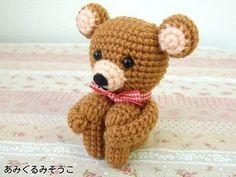 Teddy Bear Kun - Free Japanese Pattern here: http://amigurumisouko.web.fc2.com/kuma2-amizu.html