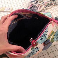 Photo Tutorial: Blanche - Swoon Sewing Patterns Bag Pattern Free, Barrel Bag, Photo Tutorial, Purses And Bags, Diy And Crafts, Sewing Patterns, Bag Tutorials, Handbags, Medium