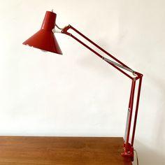 Vintage HCF Rot Schreibtischlampe aus den 60er Jahren Architecturebeleuchtung von RemoVintage auf Etsy Desk Lamp, Table Lamp, Vintage Table, Industrial, Lighting, Etsy, Design, Home Decor, Atelier