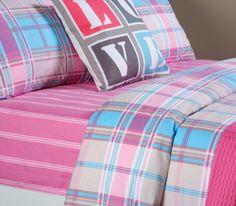 Άκρως ανοιξιάτικο σχέδιο από τη νέα συλλογή Spring Summer 2014! Σετ σεντόνια με ριγέ κατωσέντονο, καρώ πανωσέντονο και μαξιλαροθήκες σε απαλή ροζ απόχρωση με γαλάζιες πινελιές!