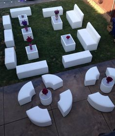 Quinceanera Party Planning – 5 Secrets For Having The Best Mexican Birthday Party Lounge Party, Wedding Lounge, Cocktail Table Decor, Salas Lounge, Nightclub Design, All White Party, Lounge Design, Quinceanera Party, Sweet 16 Parties
