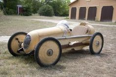 Cyclekart based on a old tin toy... very cool style. Dig it. by danieldwightsmith