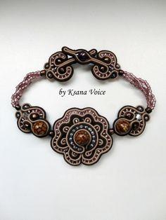 http://fc02.deviantart.net/fs71/f/2013/111/9/f/soutache_bracelet_by_ksana_voice-d62jaln.jpg