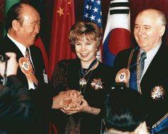 Michail Gorbachev with his wife Raisa (1980s)